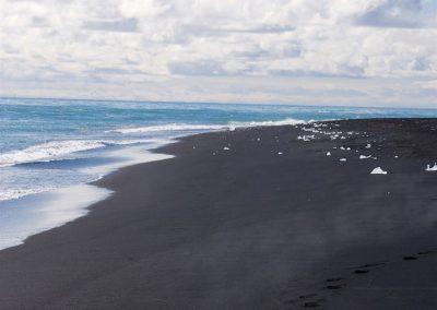 Carnet de voyage : Reportage photo en Iceland sur la plage et l'océan. Photographe freelance en Gironde, Bordeaux.