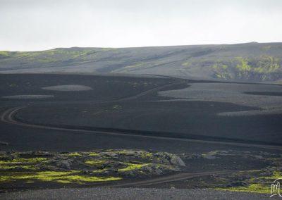 Carnet de voyage : Reportage photo en Iceland sur la nature et les montagnes de lave. Photographe freelance en Gironde, Bordeaux.