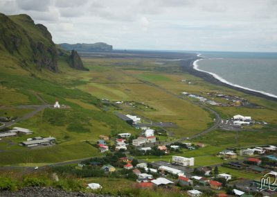 Carnet de voyage : Reportage photo en Iceland sur la ville de Vik. Photographe freelance en Gironde, Bordeaux.