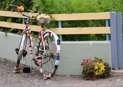 Carnet de voyage : Reportage photo en Iceland dans un village décoré. Photographe freelance en Gironde, Bordeaux.